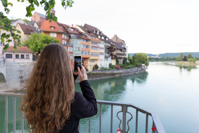 Auf der Rheinbrücke in Laufenburg