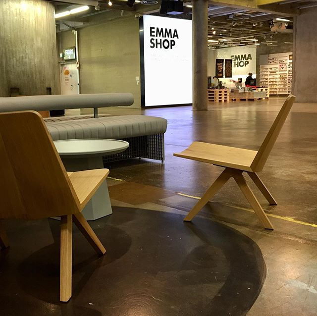 Lounge chairs for EMMA / Espoo Museum of Modern Art. Design by Harri Koskinen. Made out of European oak. . . . #pslwooden #wooden #woodenfinland #harrikoskinen #friendsofindustry #woodworking #craftmanship #craftman #handmade #madeinfinland #verynicework #youngtalentedemployees