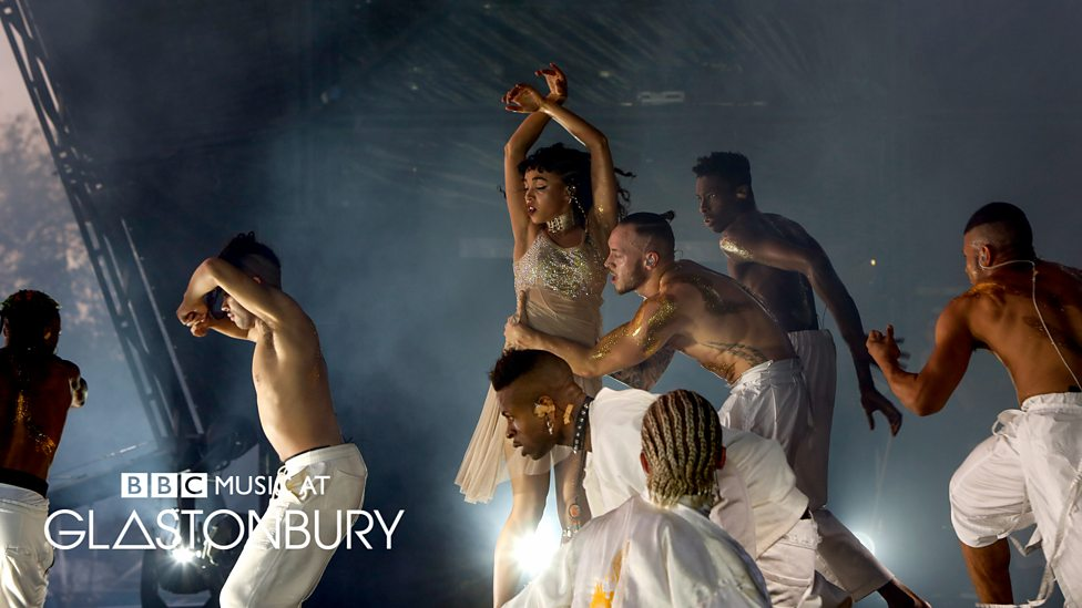 FKA TWIGS @ Glastonbury