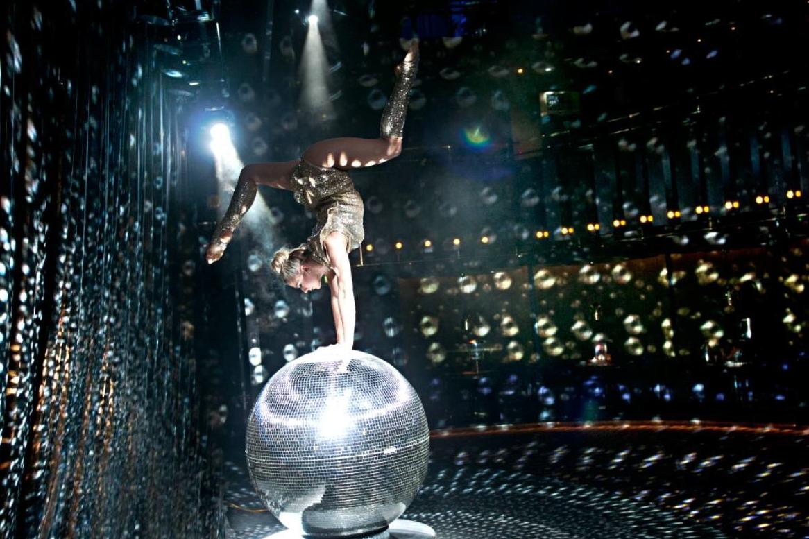 acrobats-11.jpg