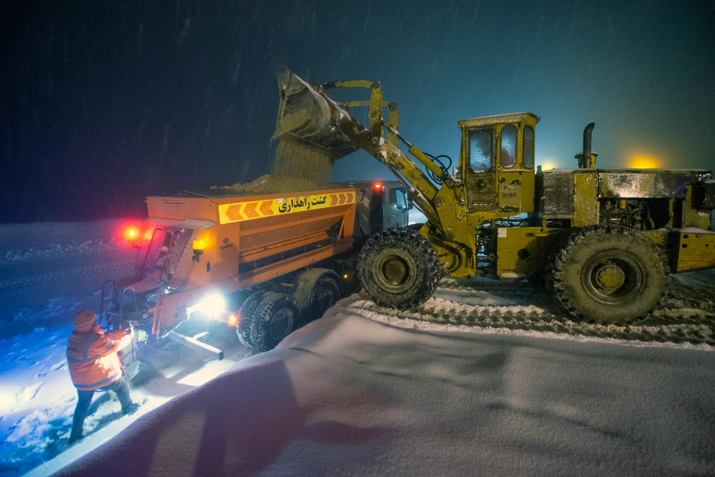 The storm just begun, roads need sands!
