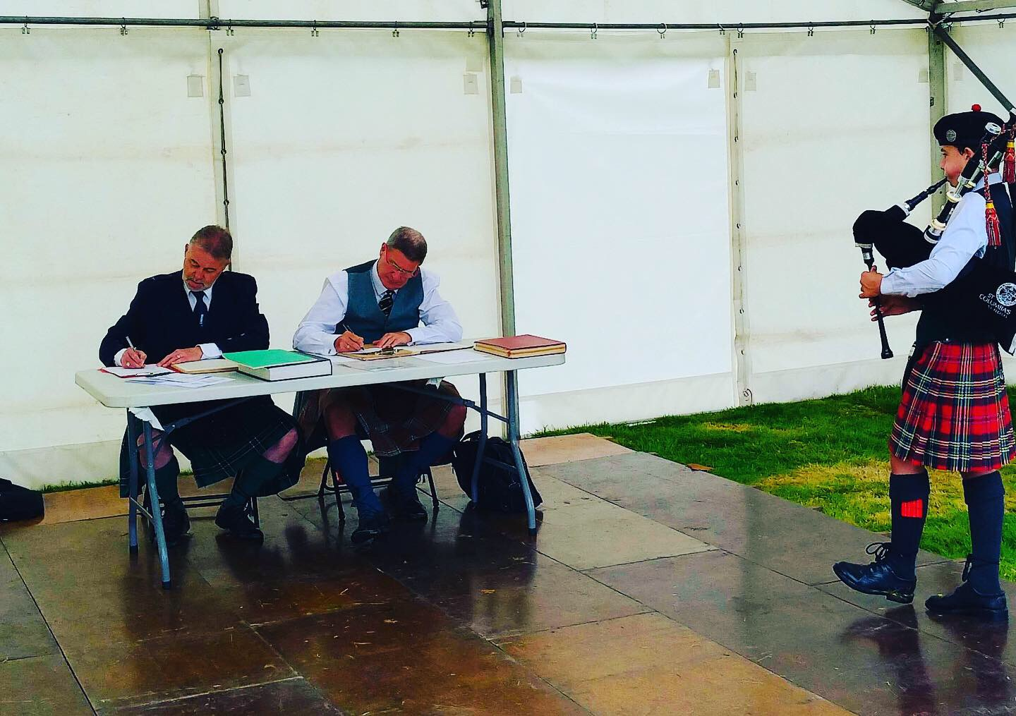 A spot of judging at Inveraray Highland games with Ian Hurst. July 2019