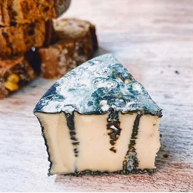 Cheese lovers!!! 💚🧀😍 Only 4days till our 10th (WHAT) Cheese + Wine party! I would never have imagined this event will be as popular as it has been. It's definitely to do with finding an amazing wine geek in @tomottey and the general good vibes created by many returning customers and openness of people in willing to get to know strangers that I sit them with. (Oh, the time I put in to doing the table plans!! 😆 )  And of course we can't forget the cheeses! We started the cheese night with a collaboration between @mousesfavourite But now we try and feature as many brands as possible and try and get things that you can't try anywhere else! And this time is no different.  You've heard me talk about these guys @thelivingfood.bcn before but we will be getting some special cheeses sent over from Barcelona for this weekend only! 🧀😍💚 And they have also gifted me a super special limited edition cheese too which I may let you guys nibble on a tiny bit 😬 Only few spots left so don't leave it last min to be part of the best party this weekend! 🎉❤️🥰🥂 . . . . . . #vegan#vegancheese#vegancheeseparty#veganwine#whatveganseat#veganlondon#vegansoflondon#vegansofldn#veganfoodie#vegannutcheese#londonvegans #veganparty#thingstodolondon#foodparty#nutcheese #tencablestreet#bestevent#veganlife#govegan#learning#wineandcheese