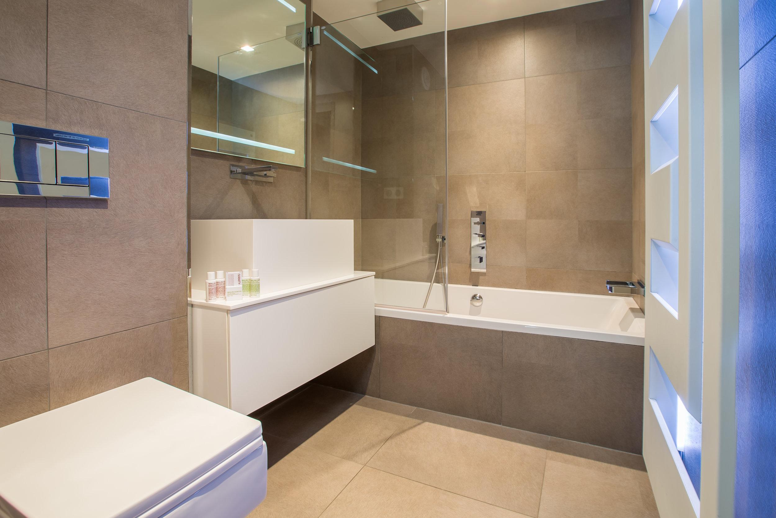 The Ark Bathroom.jpg