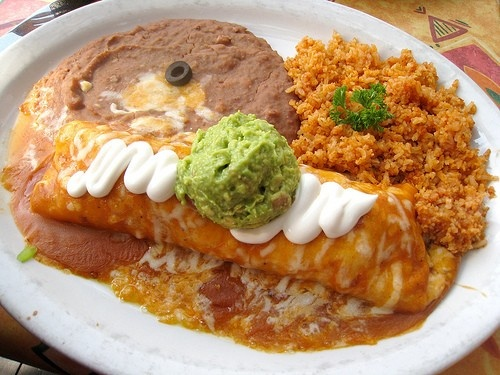 Fiesta en Jalisco - Packed menu of traditional Mexican dishes in a family friendly environment. Lounge with full bar and flat screen televisions.400 W Main St.(509) 382-06067 days a week 11am-9pm