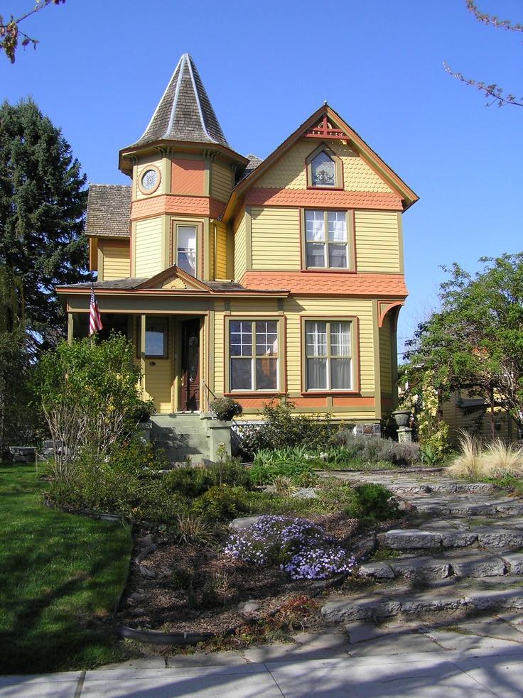 f0215db35f85f58940907cf5cf50c5fc--rear-view-old-houses.jpg