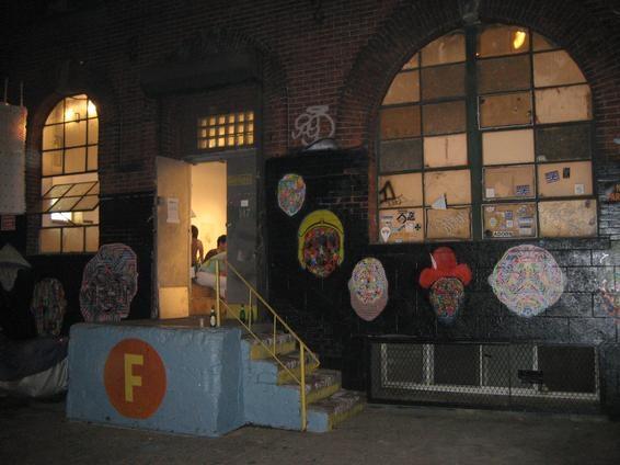 front.room.gallery.brooklyn.JPG