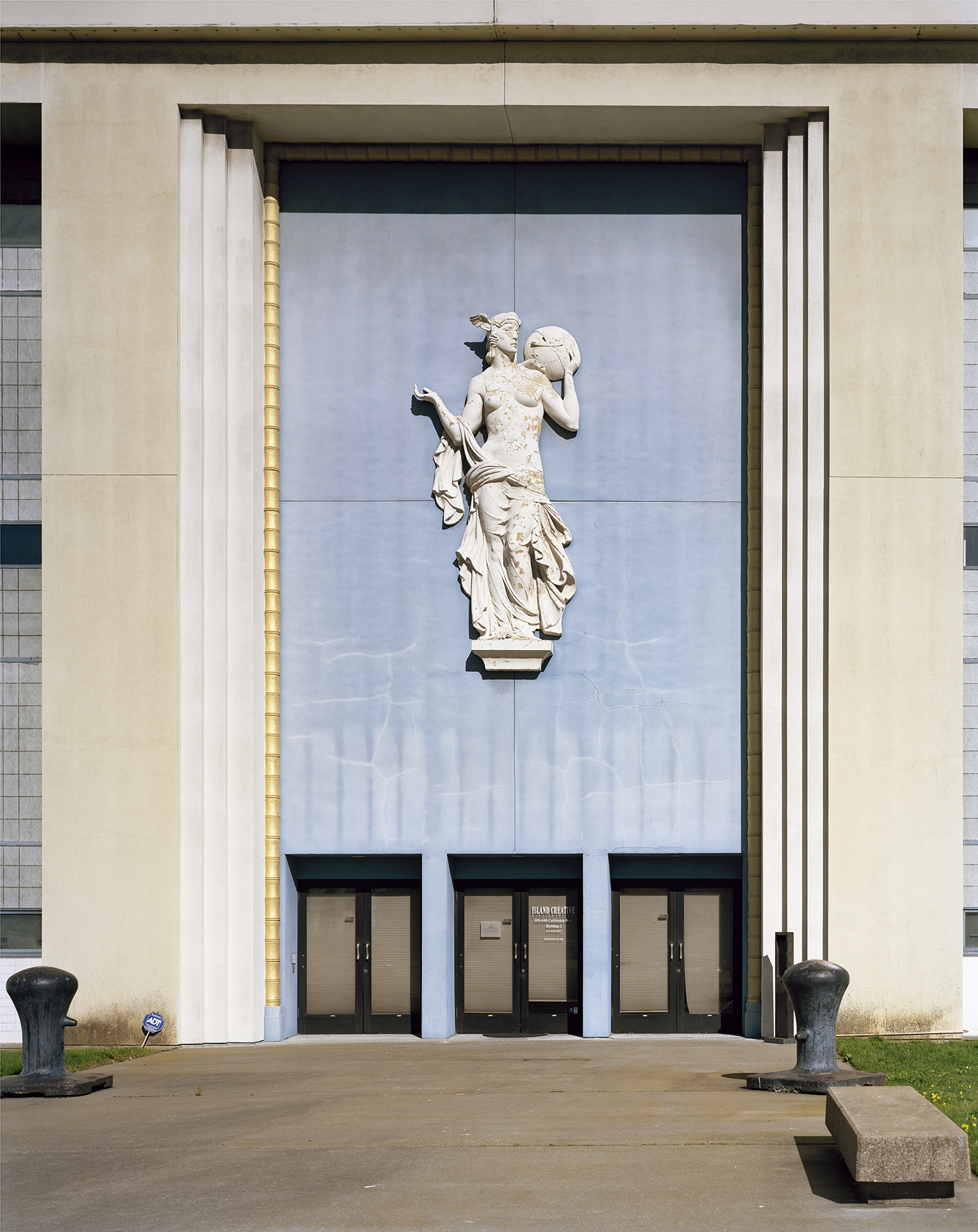 Lost-Utopias-Jade-Doskow-Front-Room-Gallery-San-Francisco-1939-Entrance.jpg