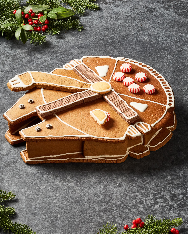 03_FALCON_GingerbreadHouse_Hero_vert_v2_218.jpg