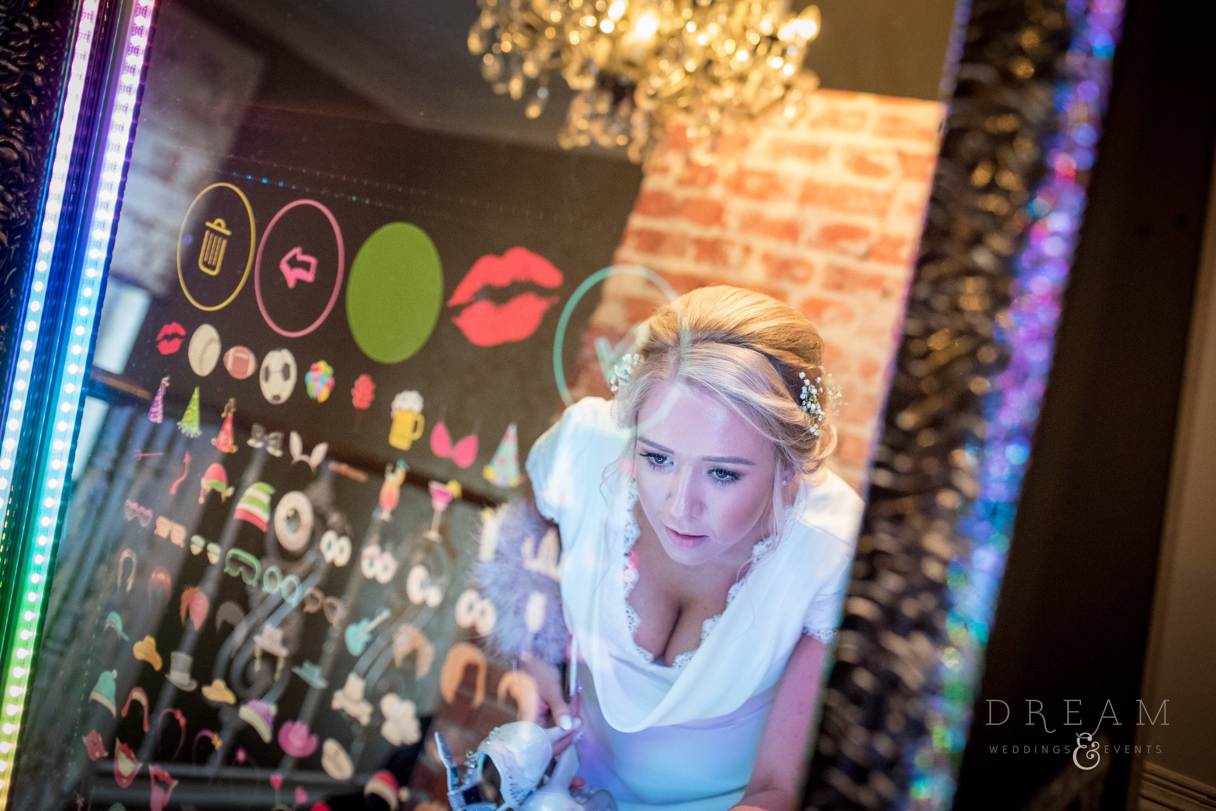 Magic Selfie Mirror Photo Booth Hire Nottingham, Derby, Leicester, East Midlands.