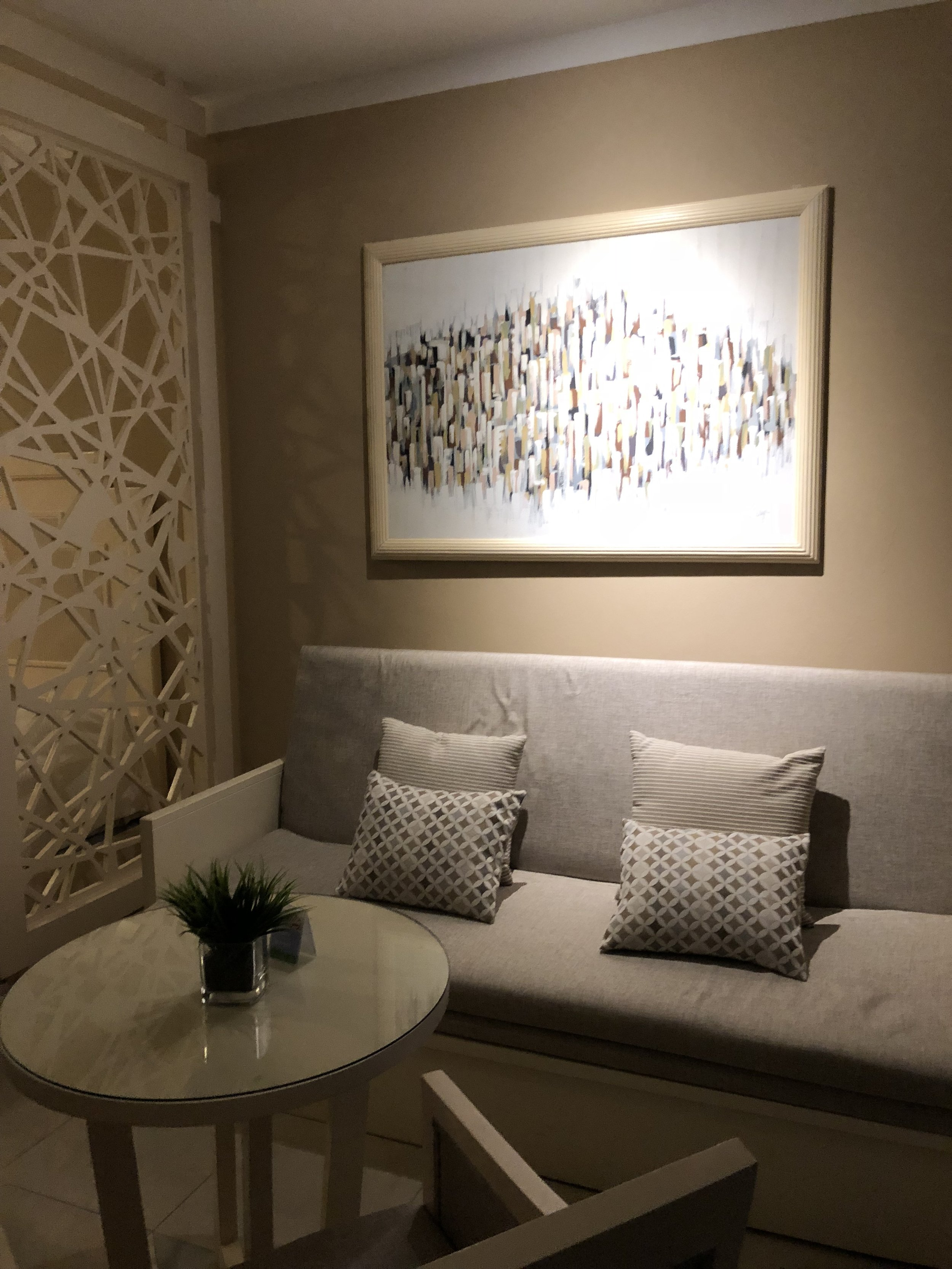 The lounge area of junior suite deluxe.