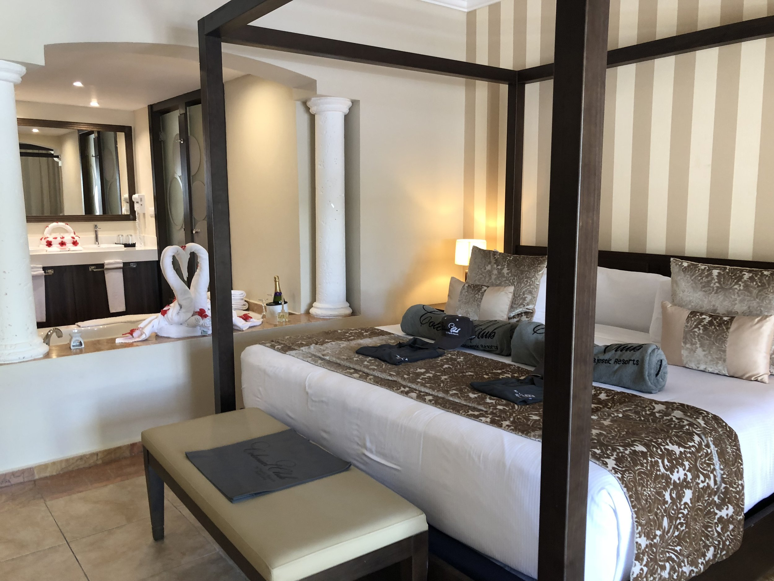 Room Type: Jr. Suite with Jacuzzi  Large spacious king bed.