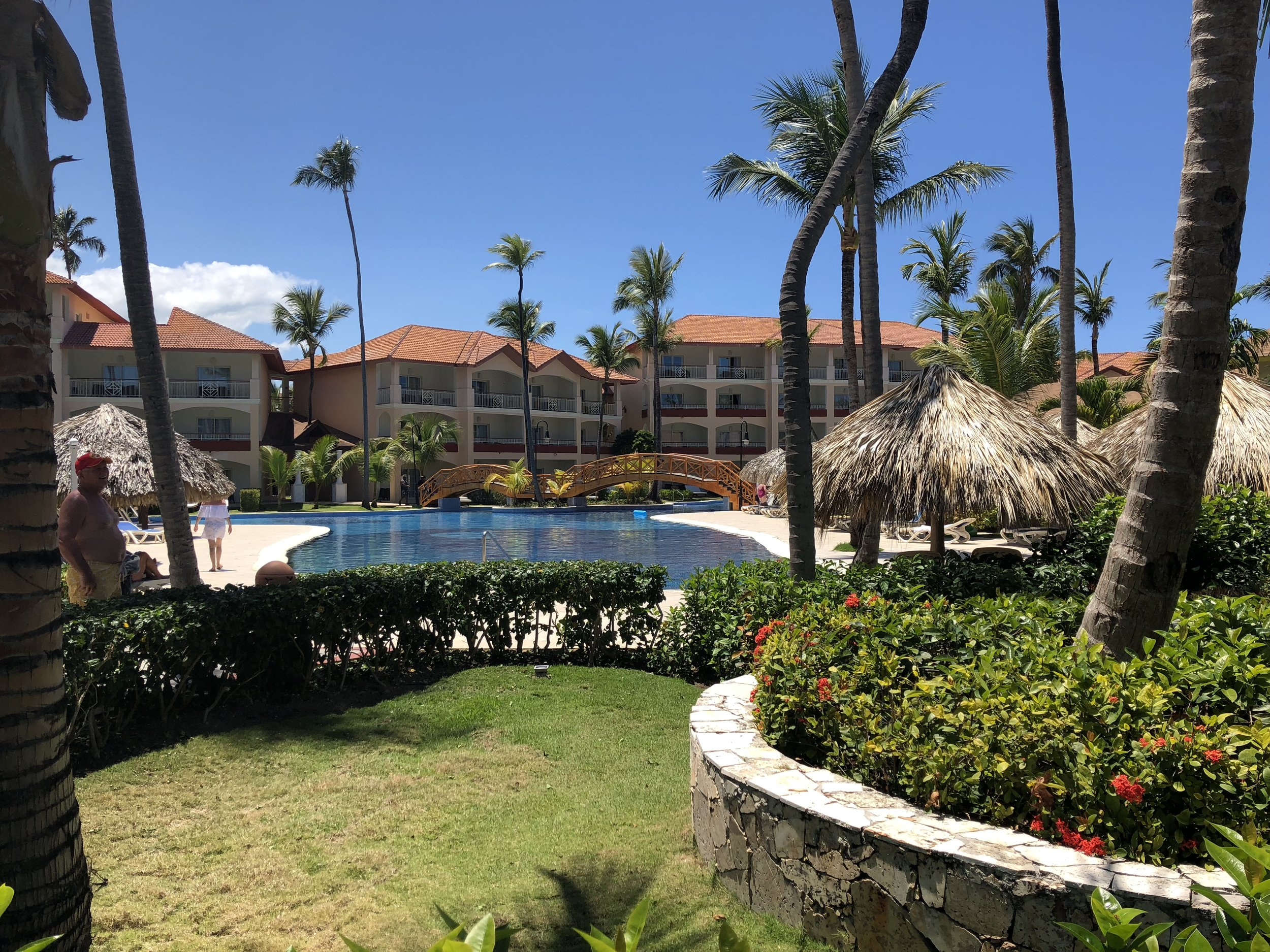 A view of the room on the left side of the resort.