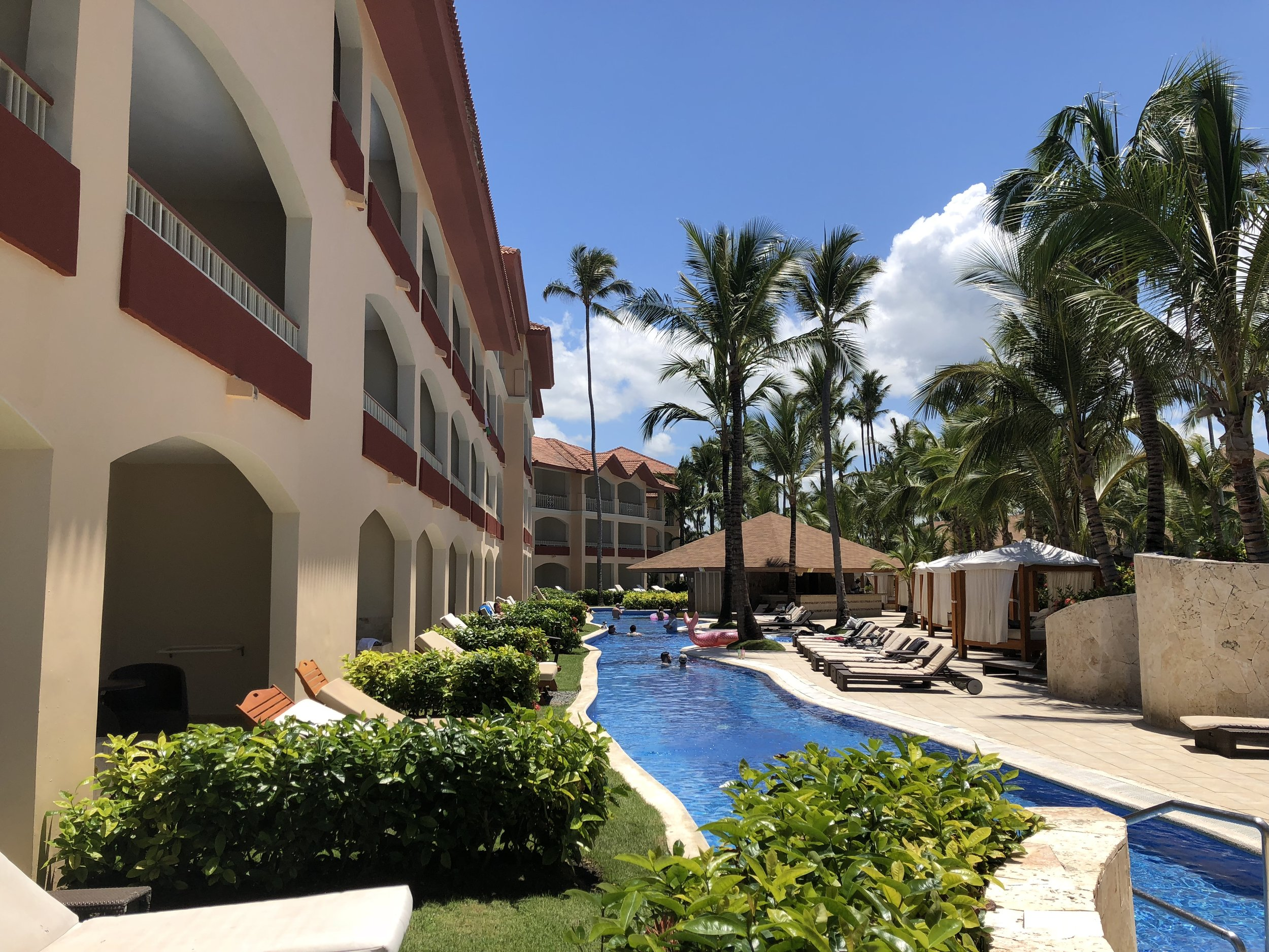 Swim up suites.