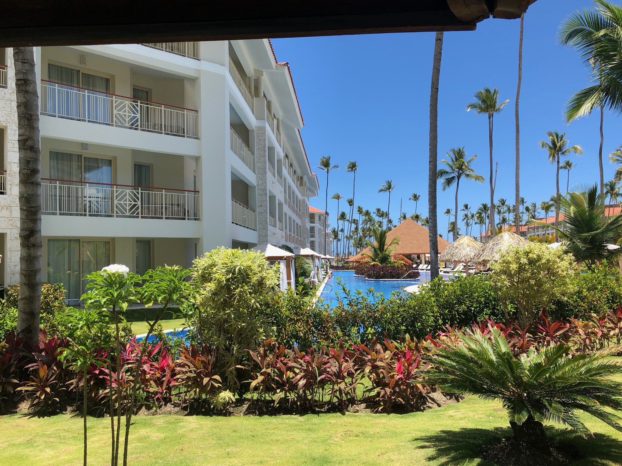 View of the swim up rooms.