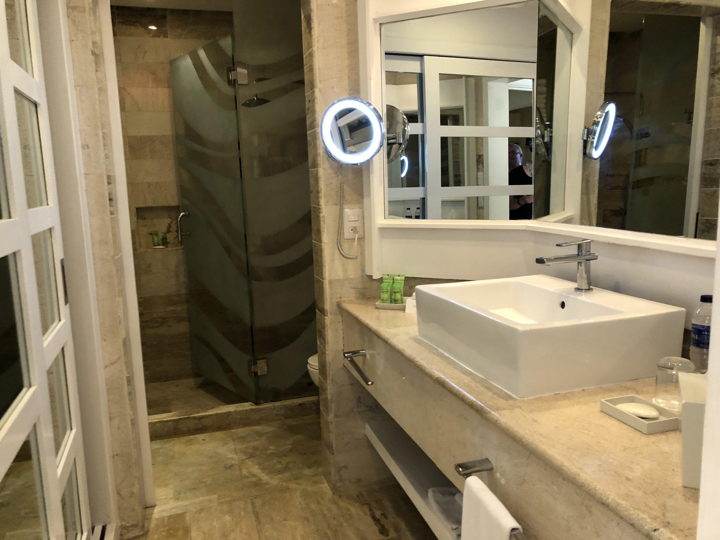Room Type: Junior Suite  Your spacious bathroom.