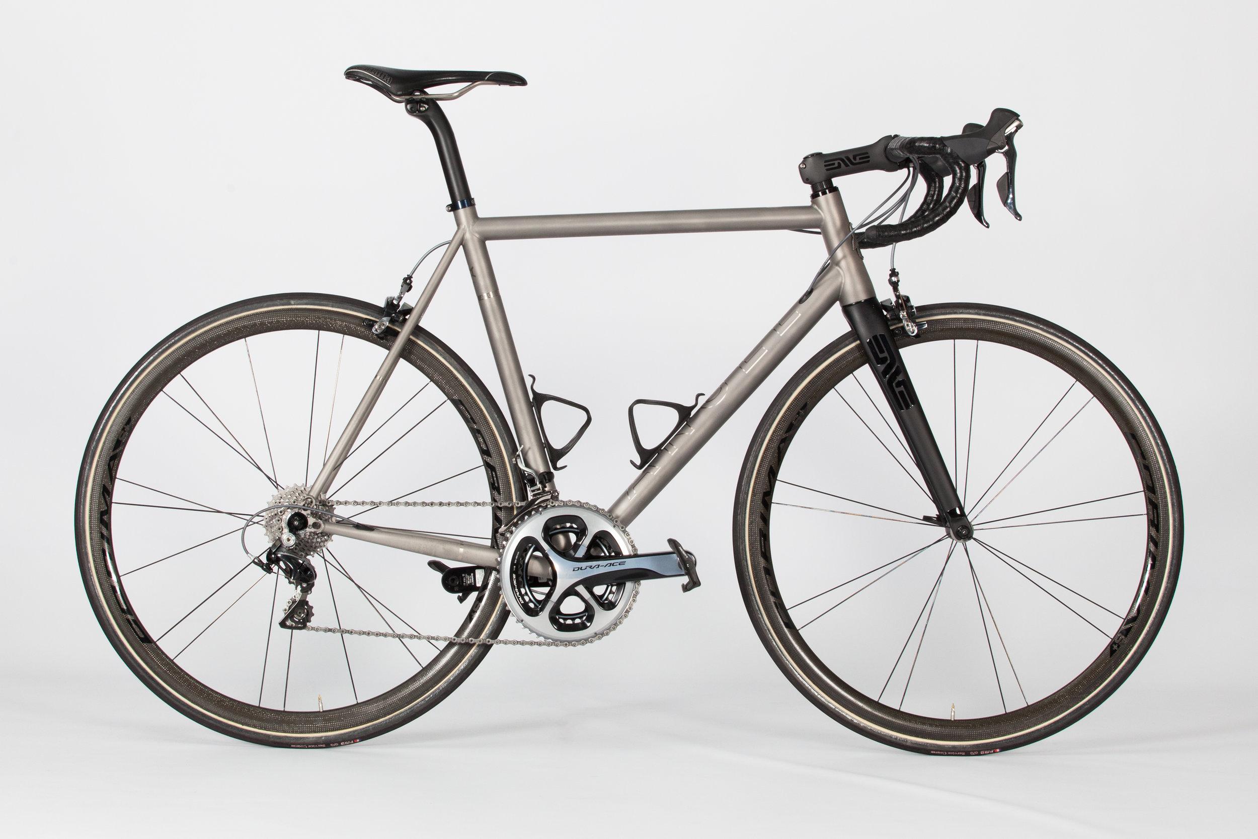 Angel Cycle Works Adagio (Road Racing).