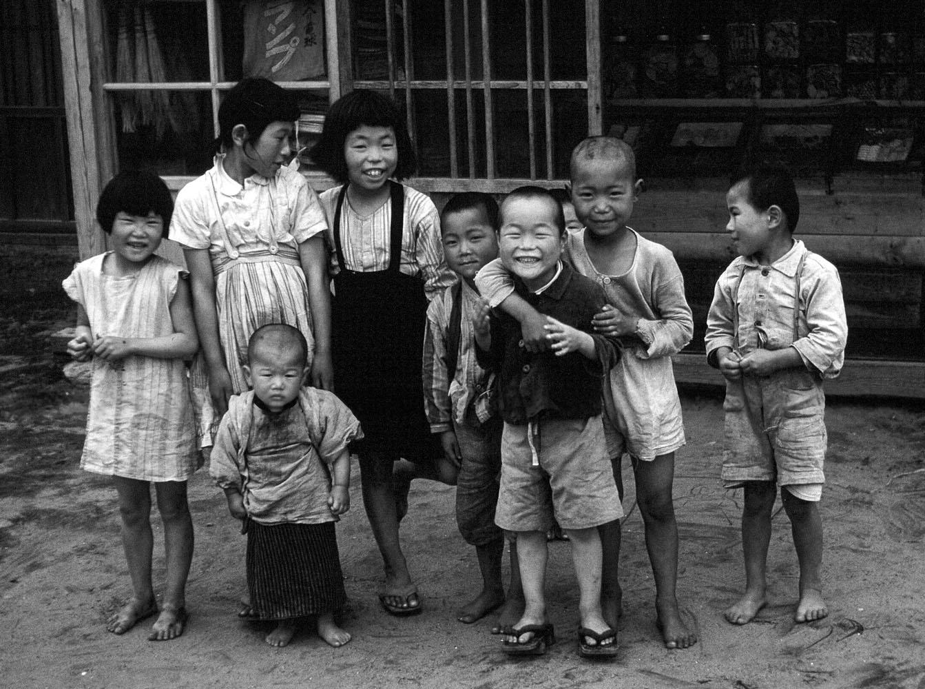 29- Group of Children, Omagari