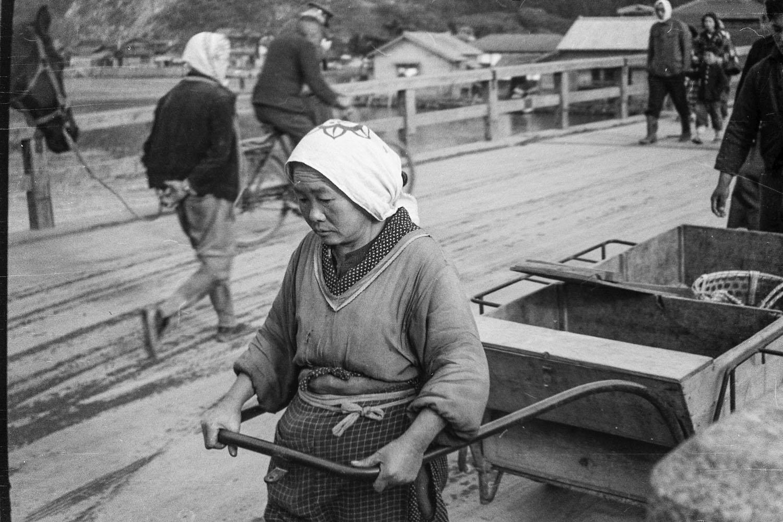 290-Woman with Cart on Kyukitakami Bridge to Island