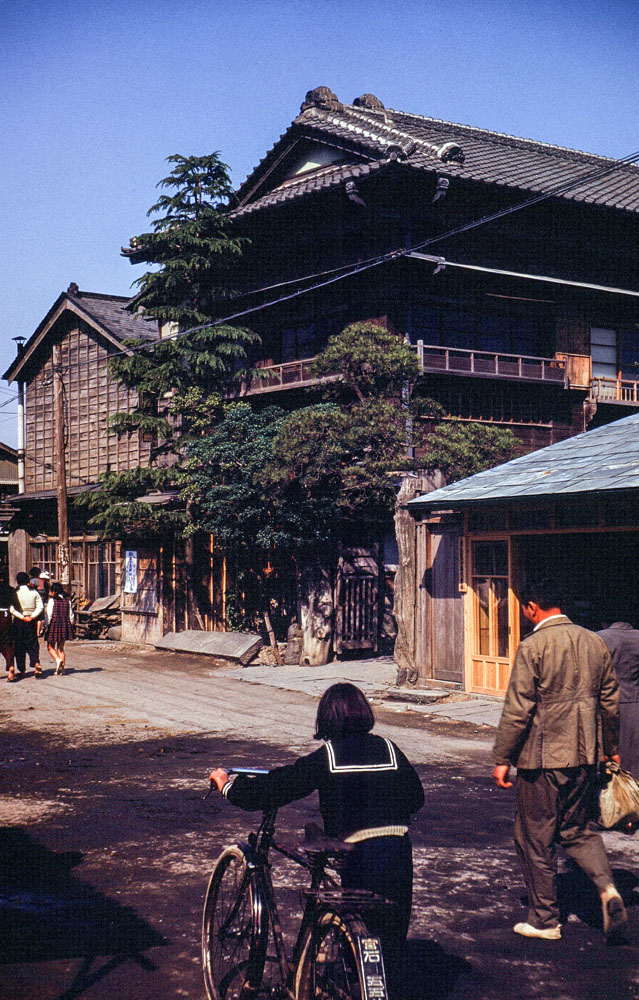 360-Street Scene