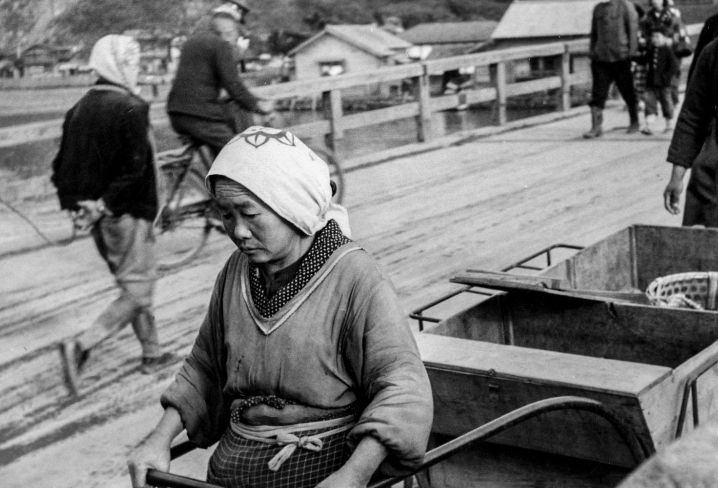 418-Kyukitakami Bridge, Woman Pulling Empty Vegetable Cart