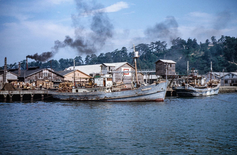 424- Kyukitakami River, Boats docked near ?
