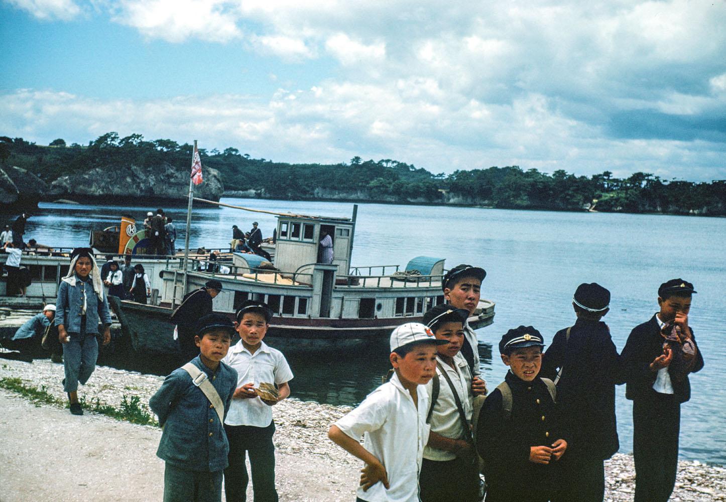 481-Children on Waterfront