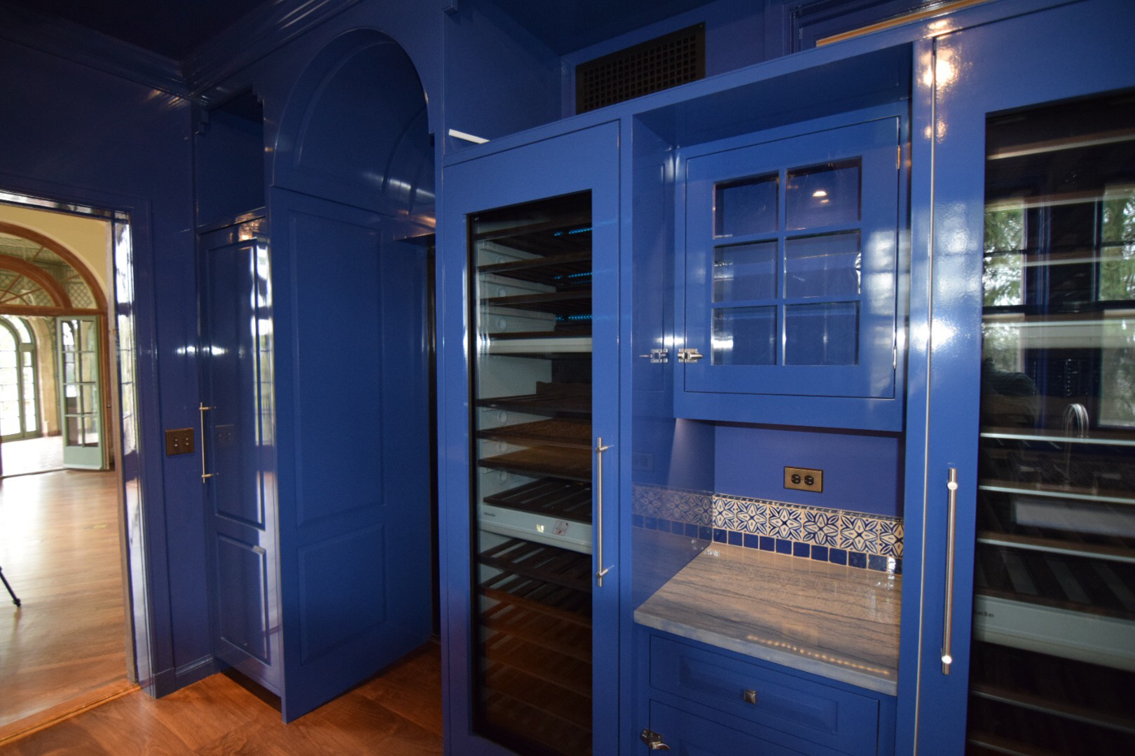 butlers-pantry-kitchen-face-frame-with-inset-raised-panel-hard-maple-doors-and-high-gloss-finish-in-blue.jpg