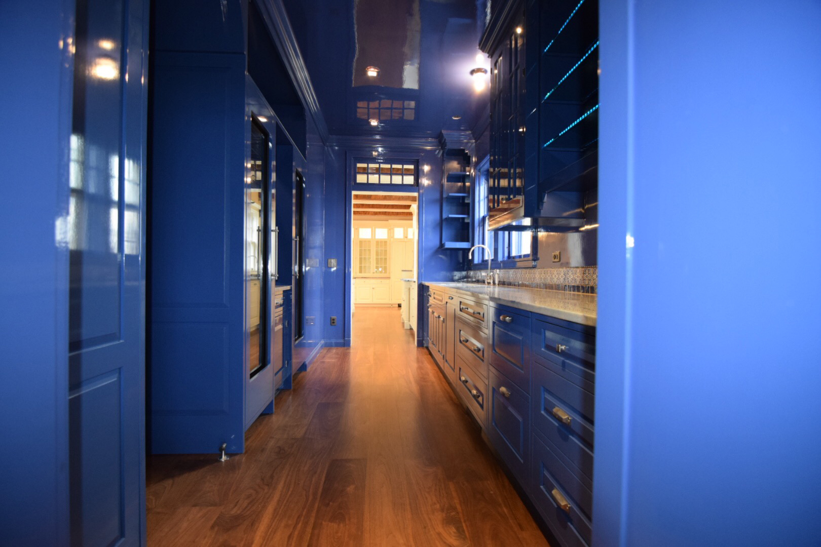 butlers-pantry-kitchen-face-frame-with-inset-raised-panel-hard-maple-doors-and-high-gloss-finish-in-blue-2.jpg