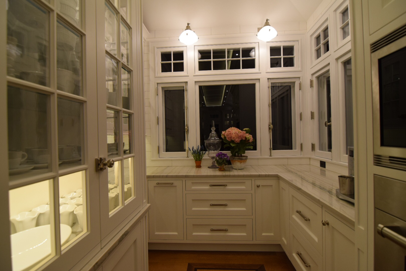 custom-traditional-kitchen-face-frame-with-inset-cabinet-doors-and-custom-windows-and-transoms.jpg
