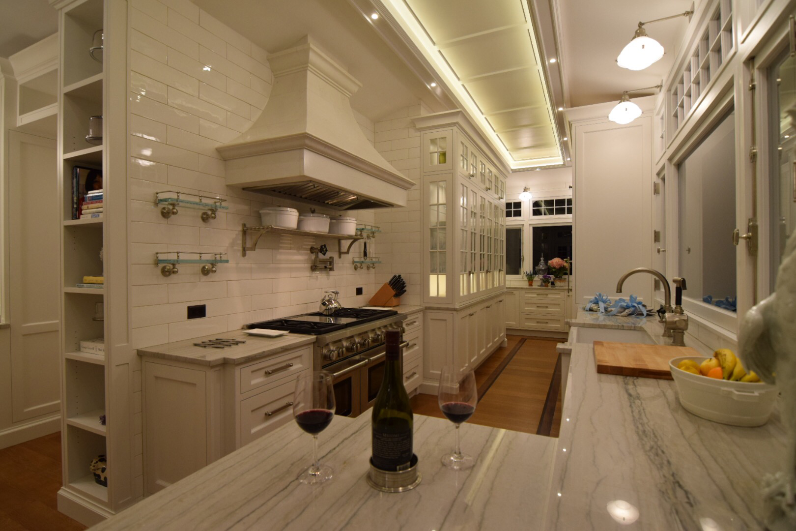 custom-traditional-kitchen-face-frame-with-inset-cabinet-doors-in-solid-and-true-divider-lights-styles.jpg