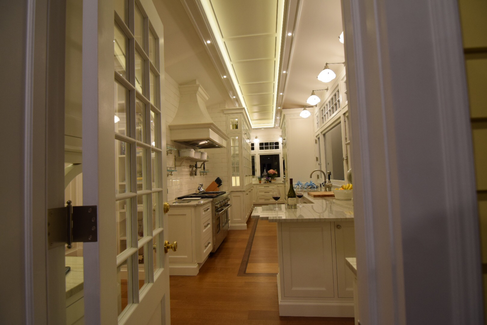 custom-traditional-solid-cherry-kitchen-with-tinted-super-white-polyurethane-finish.jpg