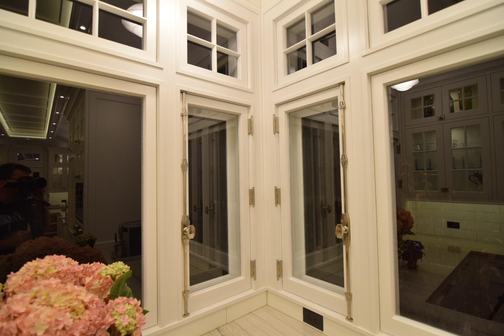 custom-windows-and-transoms.jpg