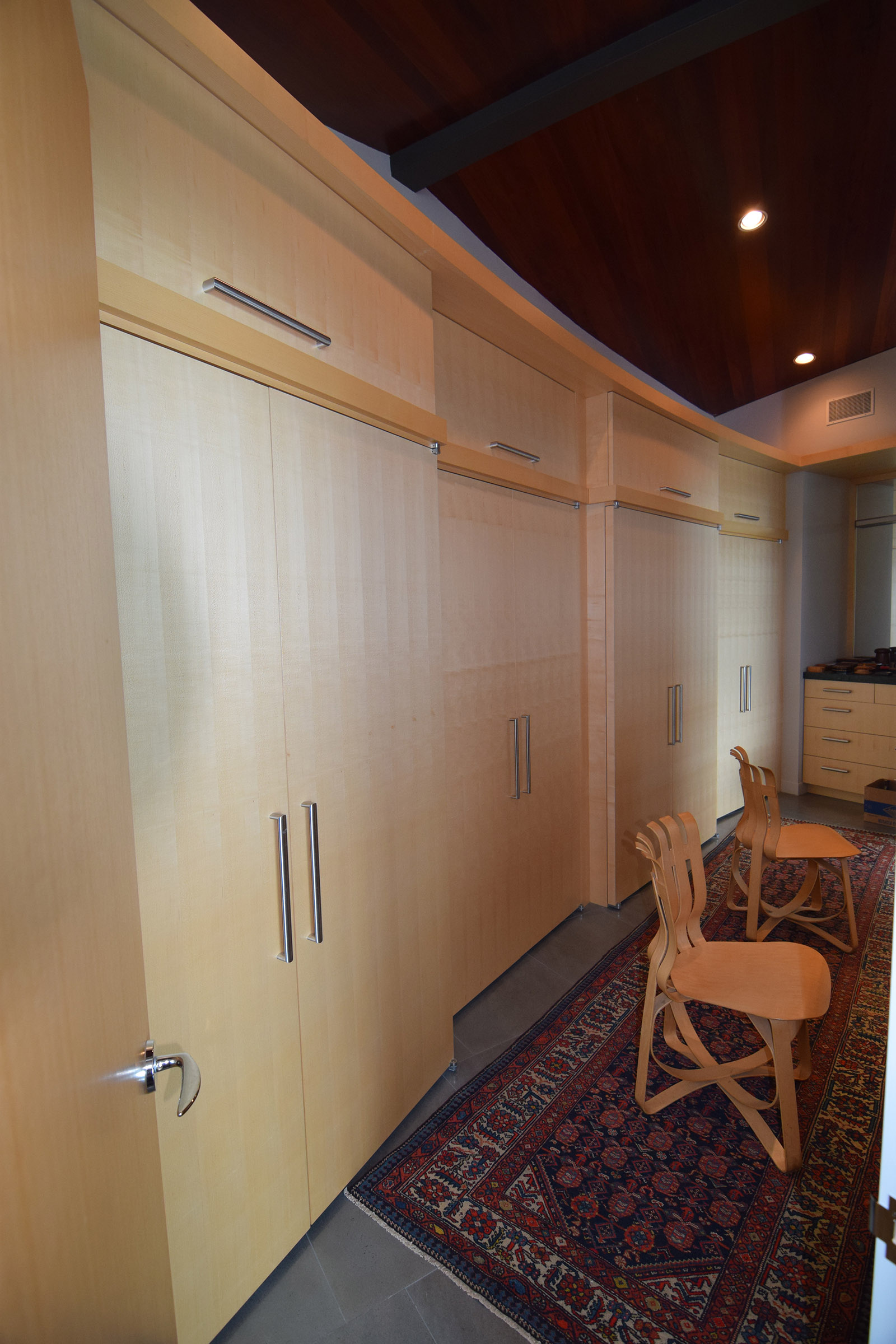 Rift Anigre Custom Closets on a curve