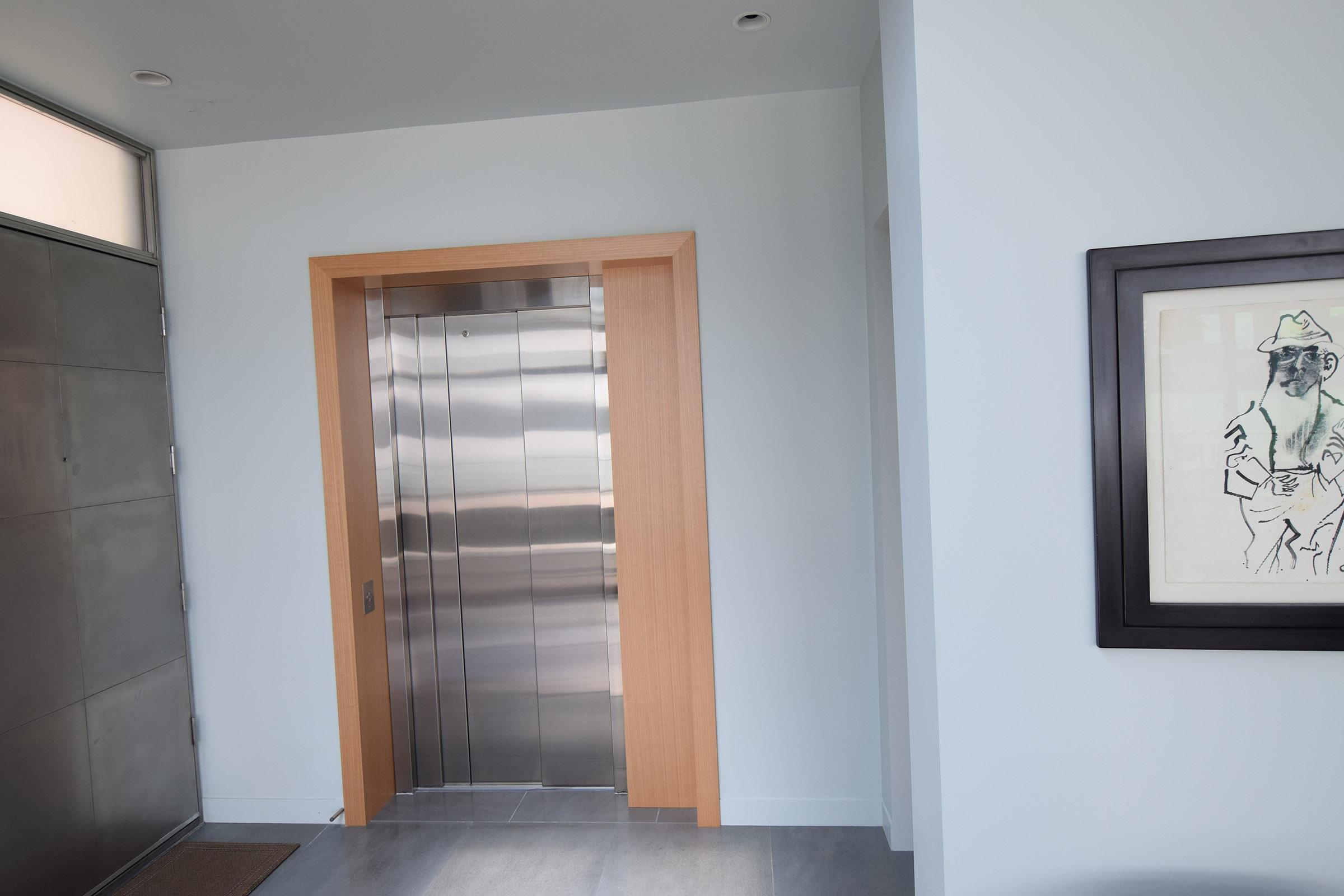 rift-anigre-custom-elevator-2.jpg
