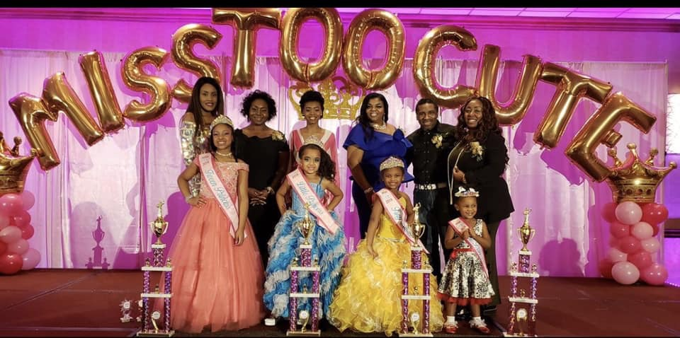 Winners of the Miss Too Cute Pageant by division with Judges.