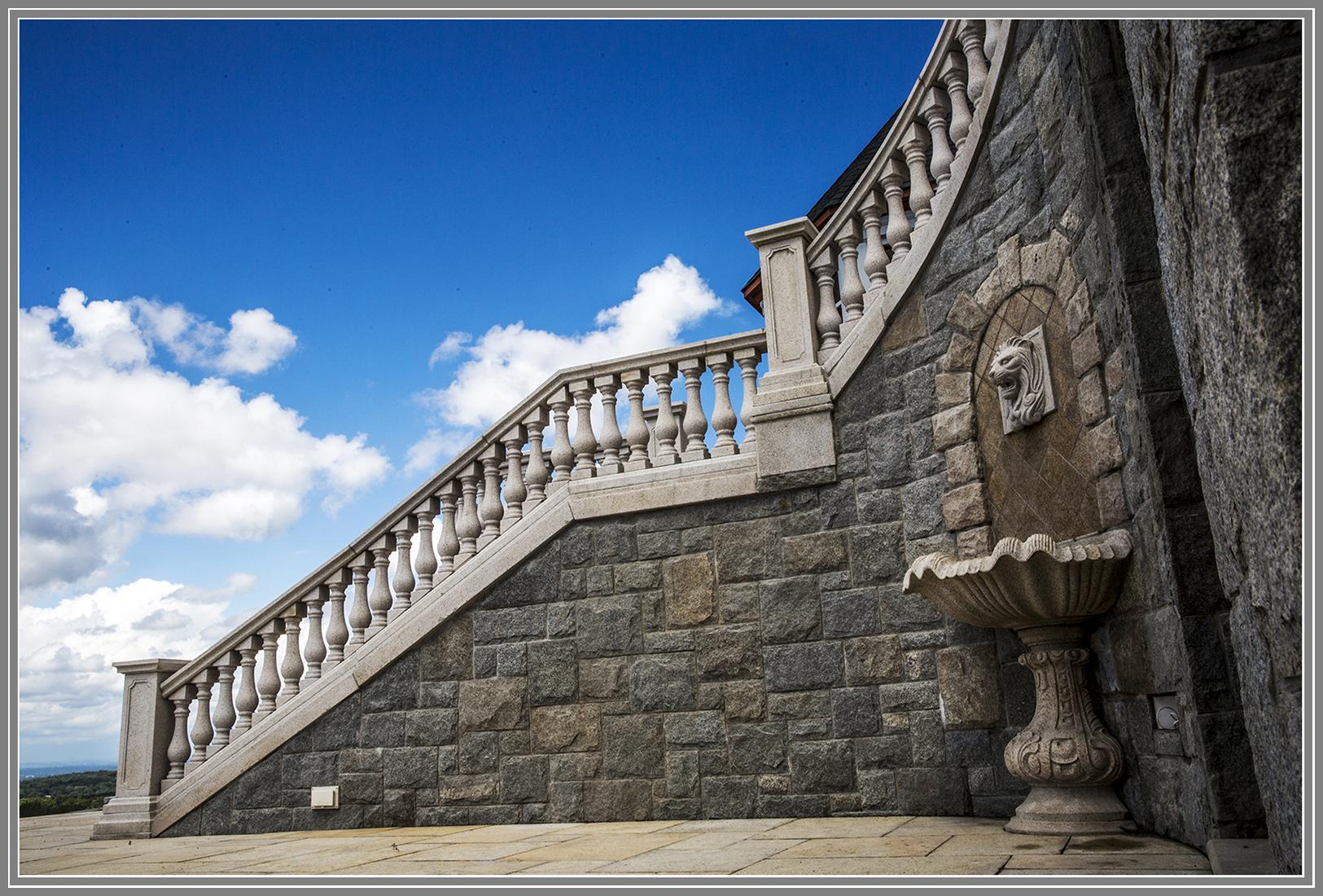 Stone masonry by Artistic Outdoors