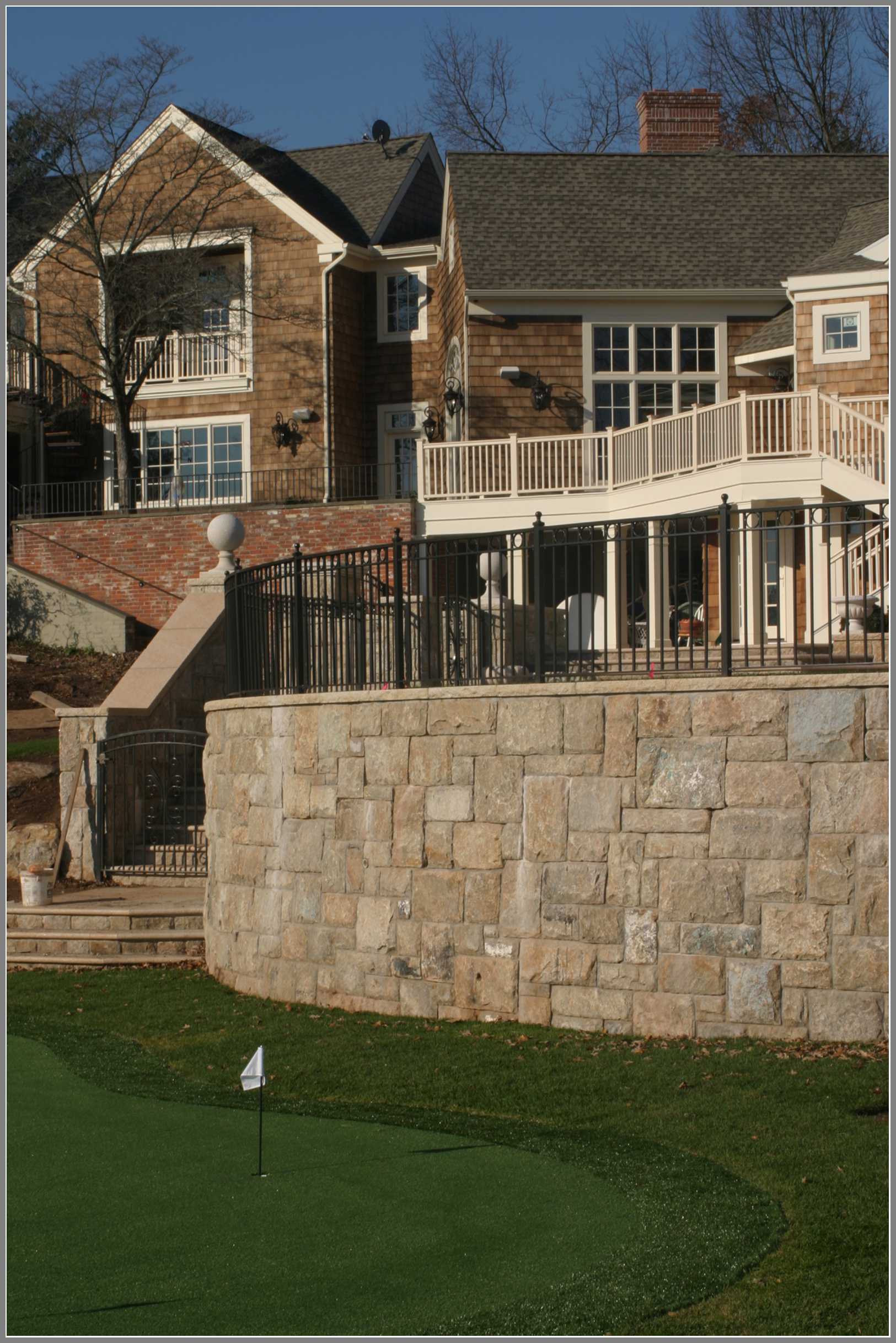 Stone masonry by Artistic Outdoors