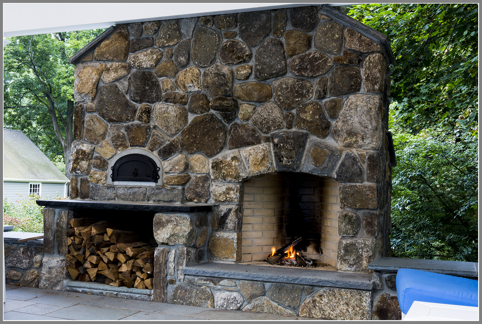 Wood Burning Pizza Oven and Outdoor Fireplace