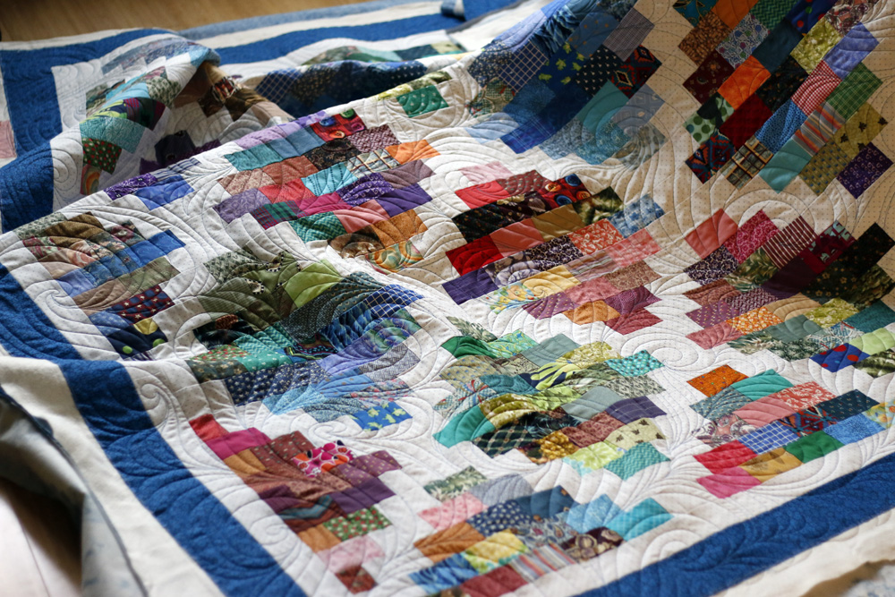 Curls Allover Scrap quilt. Stitched in Color.jpg