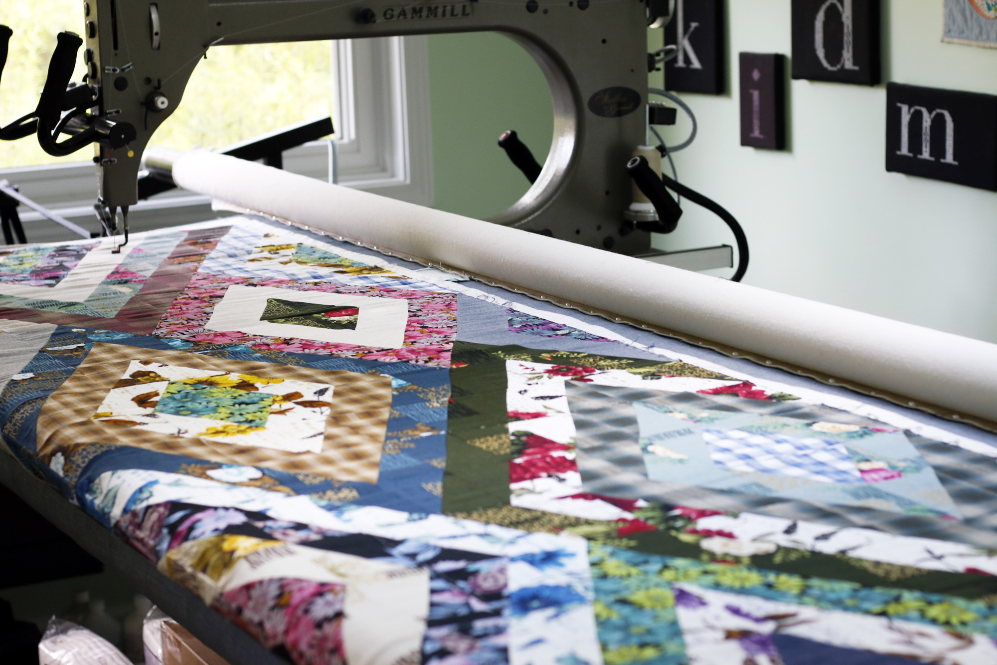 Diamonds outback on longarm. Stitched in Color.jpg