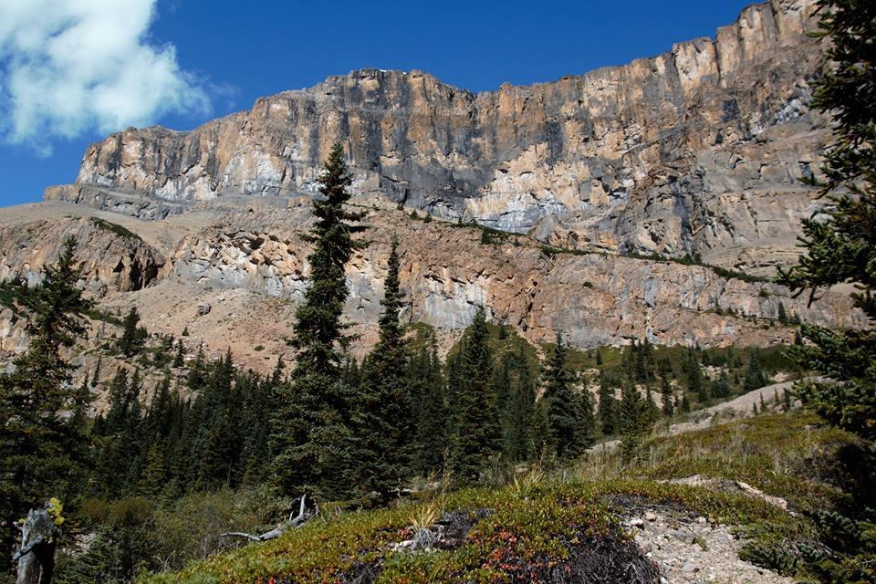 Towering cliffs before John-John campground. Photo Susan Dack