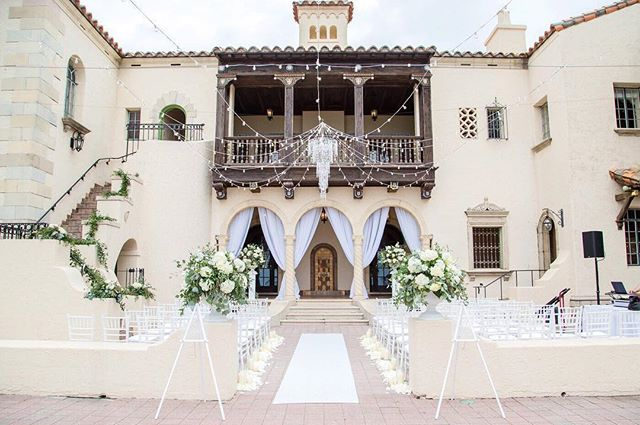 Talk about #weddingceremonygoals! How gorgeous is this ceremony site?! I knew this wedding was going to be so beautiful, but it blew me away when I actually saw it all set up! ✨ I love the style of my #jessannecouples, they are always thinking about all the little details. I love seeing their styles come together on the wedding day. I have to say, I am never disappointed with how it turns out!! 😍 ✨ Photographer | @jessannephotography  Coordinator | @theapostolicwife  Florals | @thebridesbouquetpalmharbor  Venue | @powelcrosleyestate