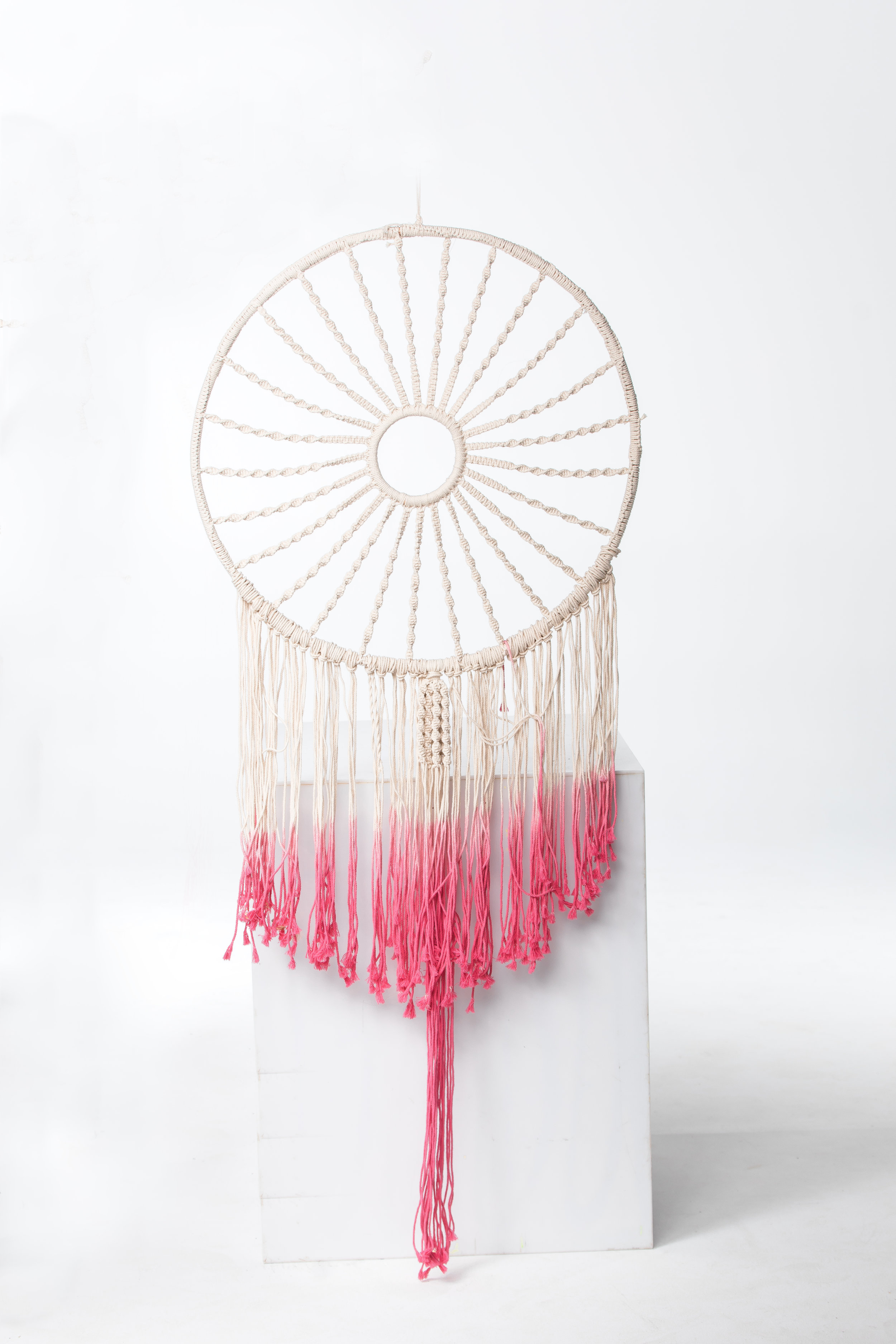 GIANT DREAMCATCHER (CREAM + PINK)
