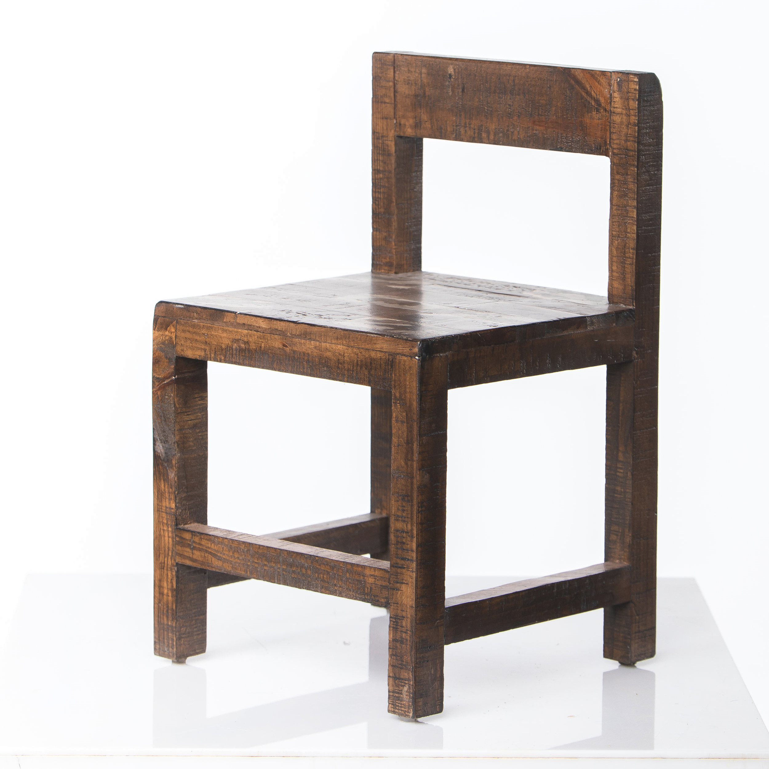 CHILDREN'S WOODEN STOOL