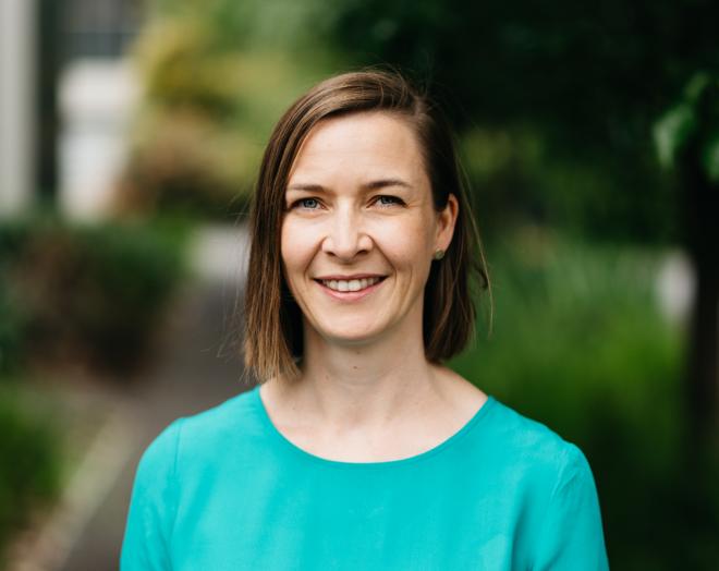 Elizabeth Bremmer,  Murdoch Children's Research Institute   Award for Professional Leader