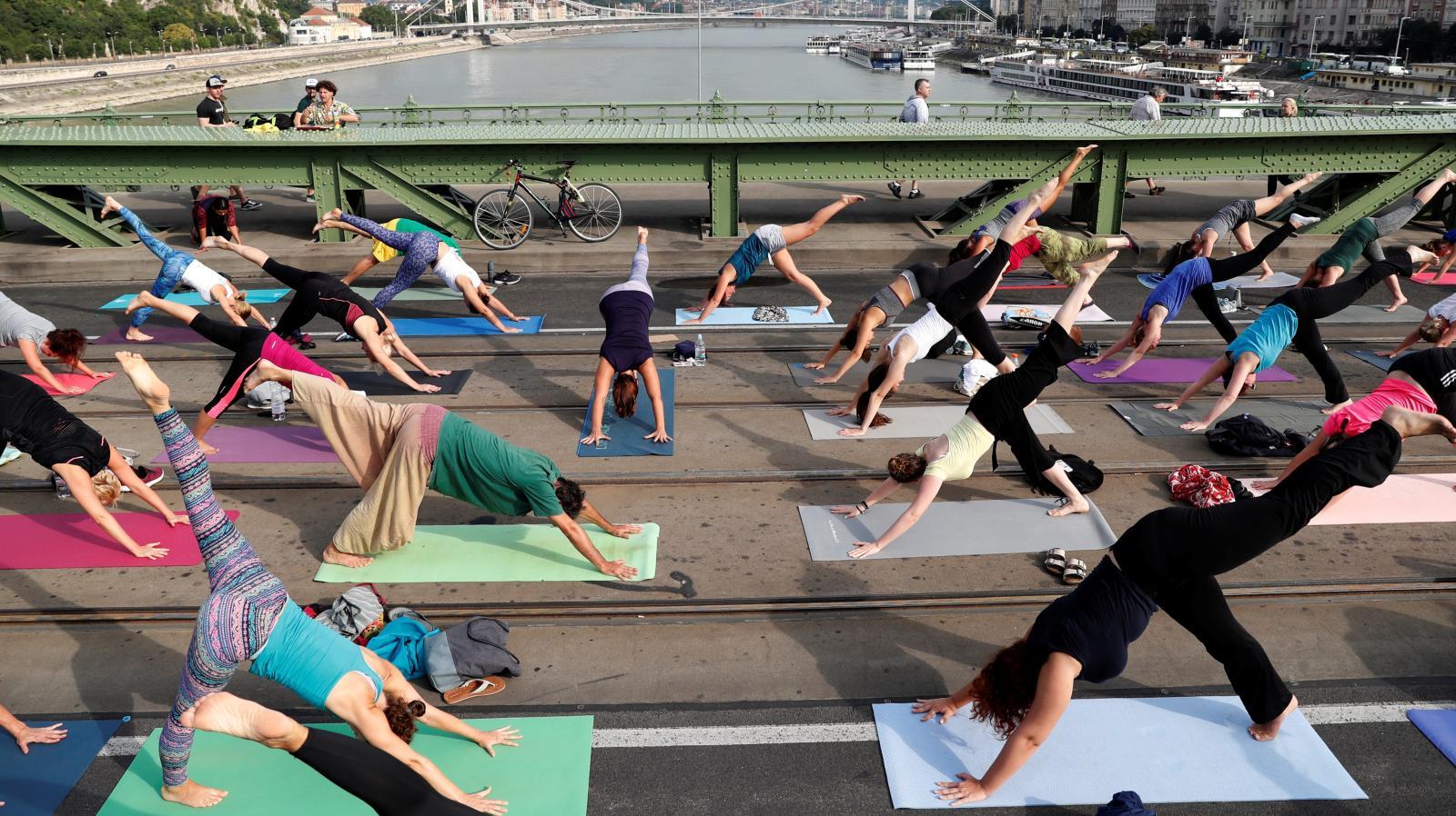 yoga-e1558396354196.jpg