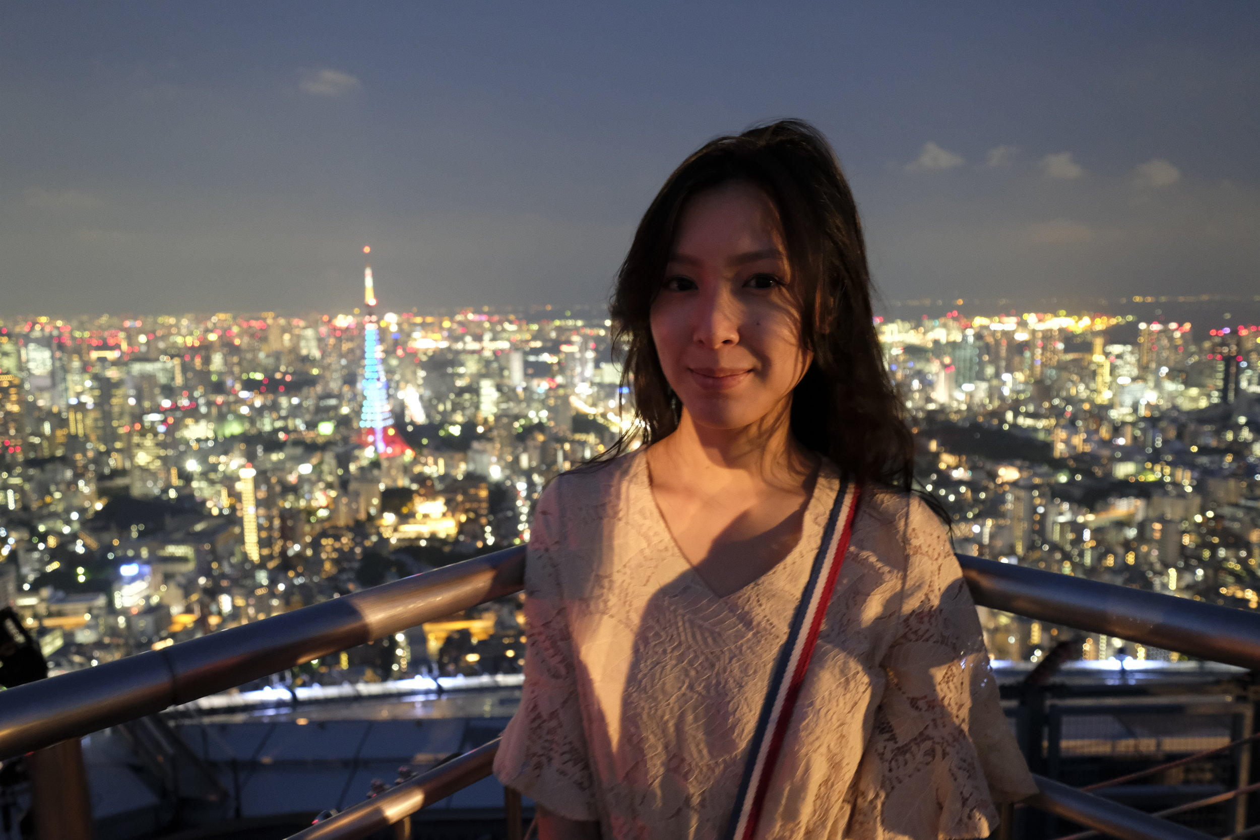 Bunny de coco viewing the Tokyo Tower that night