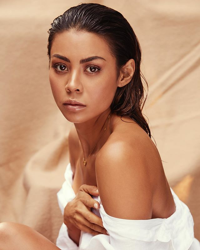 S K I N.. 🕊Did you know it's the largest and fastest growing organ on the human body? Yup 🤗 It's no secret that having healthy skin is super important to me, and aside from my everyday routine I always try and visit the ladies at @the_greville_clinic whenever I am home in Melbourne 🙌🏽 Head on over to their IG to watch the quick 3 min video we filmed earlier this week, answering a few questions chatting all things skin 💧