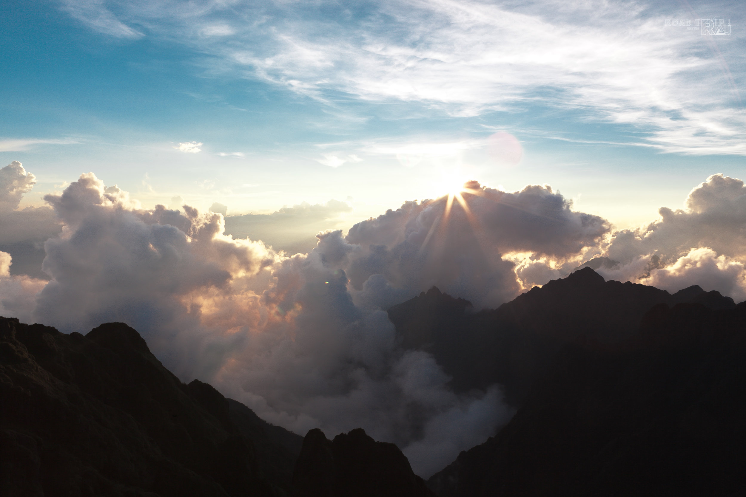 CAFE IN THE CLOUD -